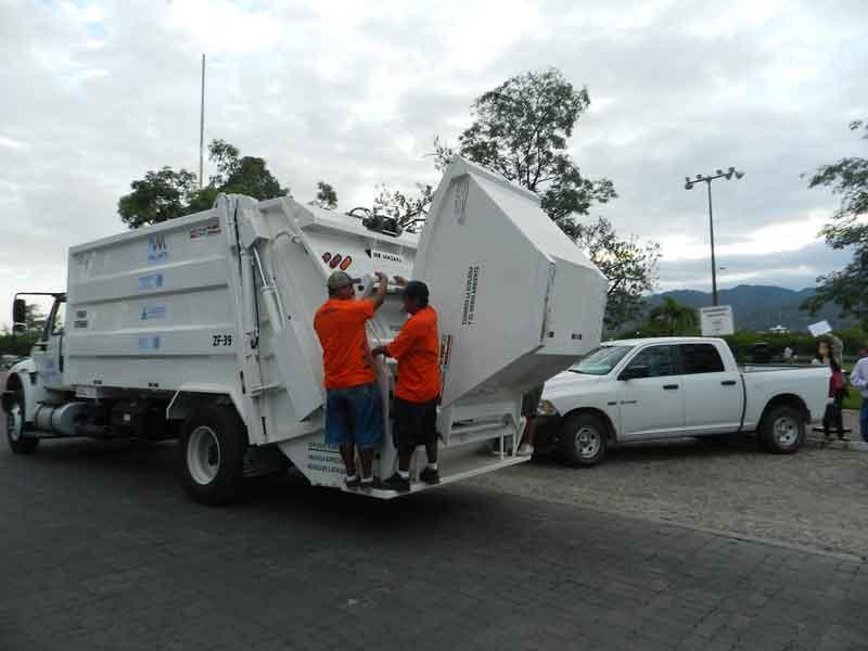 Invierten 9 mdp en  nuevos camiones