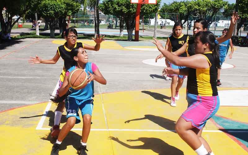 Yelapa marcha como líder en la  categoría Preparatoria Femenil