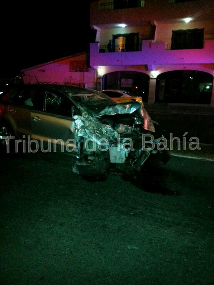 Aparatoso accidente sobre Medina Ascencio Puerto  Vallarta