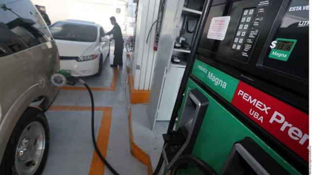 Bajan combustibles  hasta 43 centavos