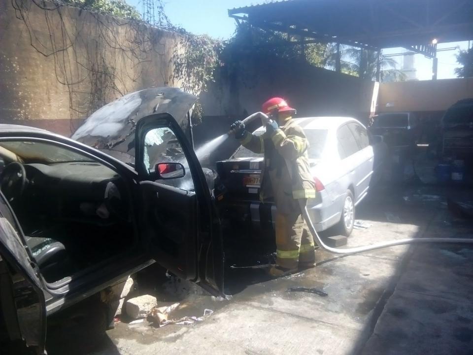 Se incendiaron vehículos
