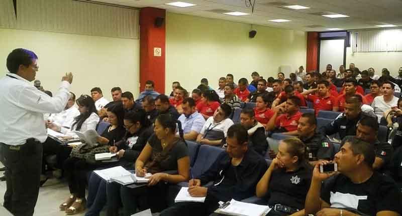 Capacita Fiscalía a policías de la  Zona Sur en materia de Oralidad