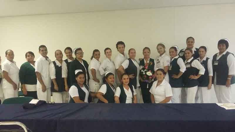 Celebran enfermeras de la clínica 170 su día