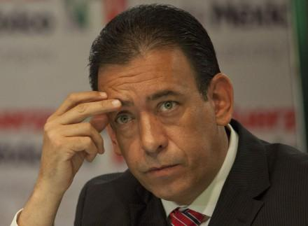 Detienen a Humberto Moreira en aeropuerto de Barajas, España