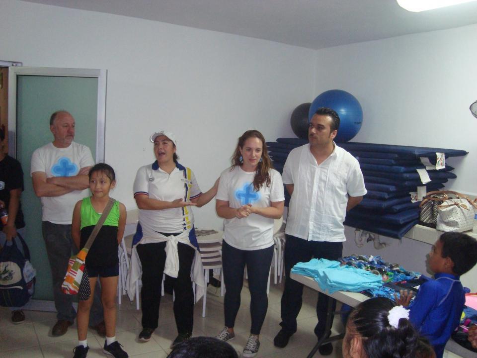 Donan uniformes y accesorios  al equipo de deporte adaptado