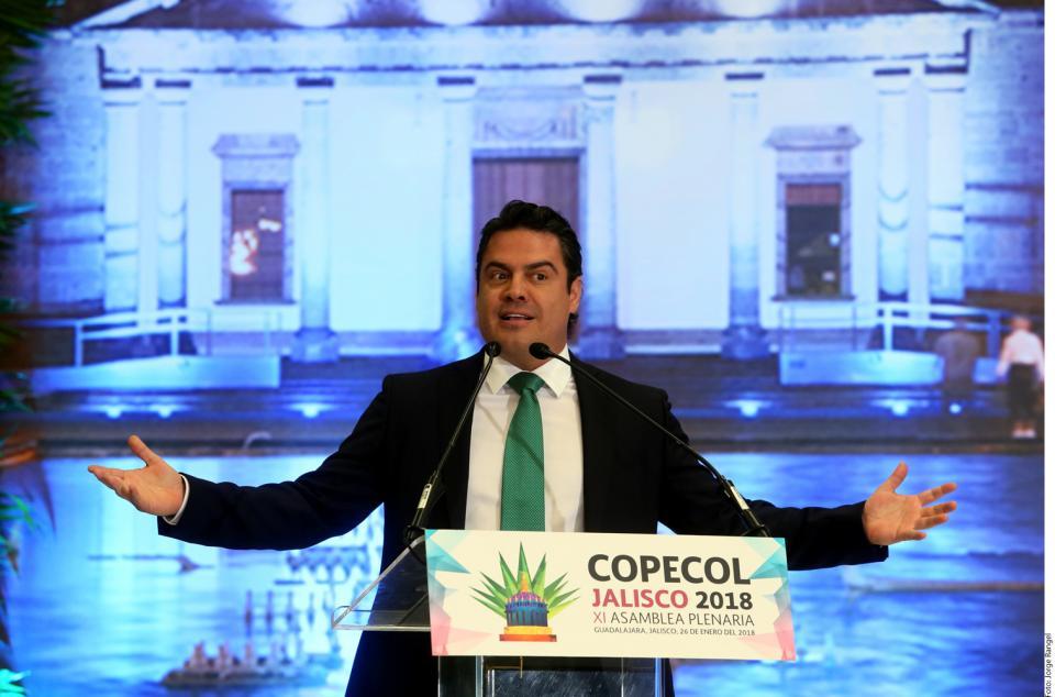 Urge Aristóteles Sandoval  debatir la mariguana