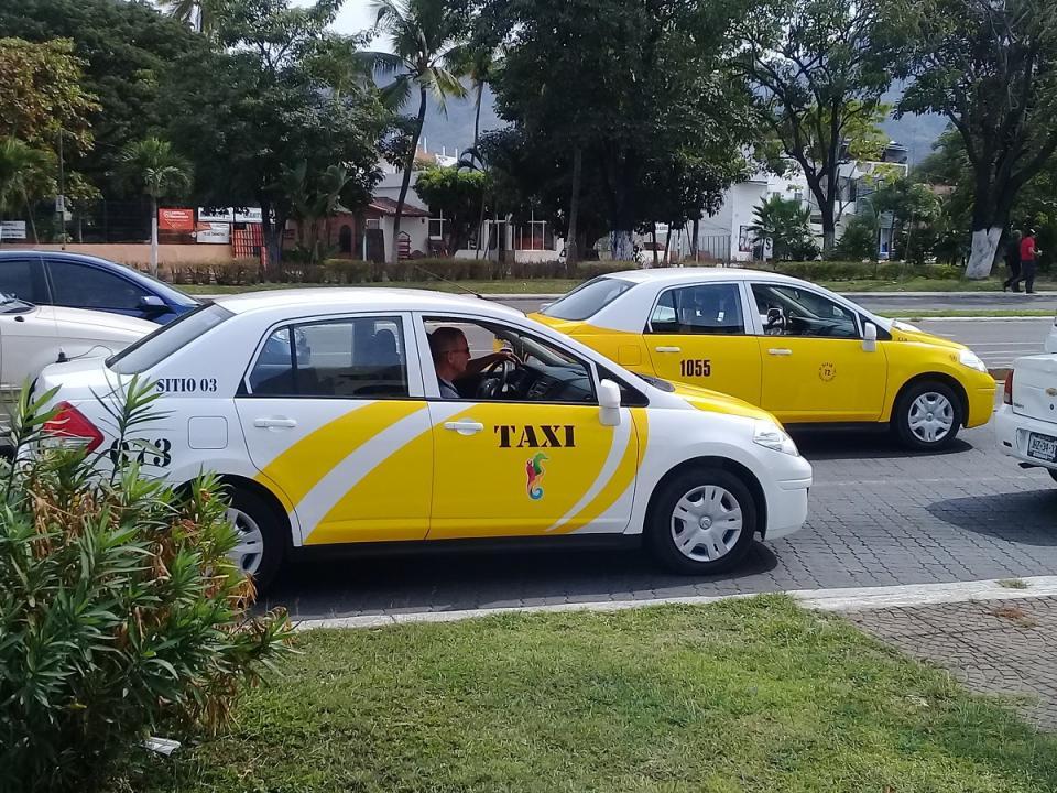 Se renovará al 100% el sistema  de taxis de Puerto Vallarta