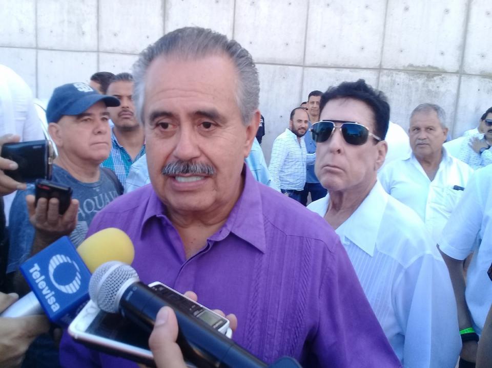 """Promete Semov """"ordenar""""  sistema de taxis en Vallarta"""