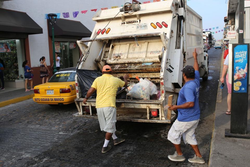 Reacciona Ayuntamiento ante queja  de lixiviados que caen en Olas Altas