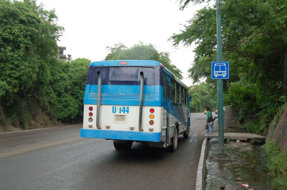 Coincide Secturjal que debe mejorar el  transporte y regularse la Zona Romántica