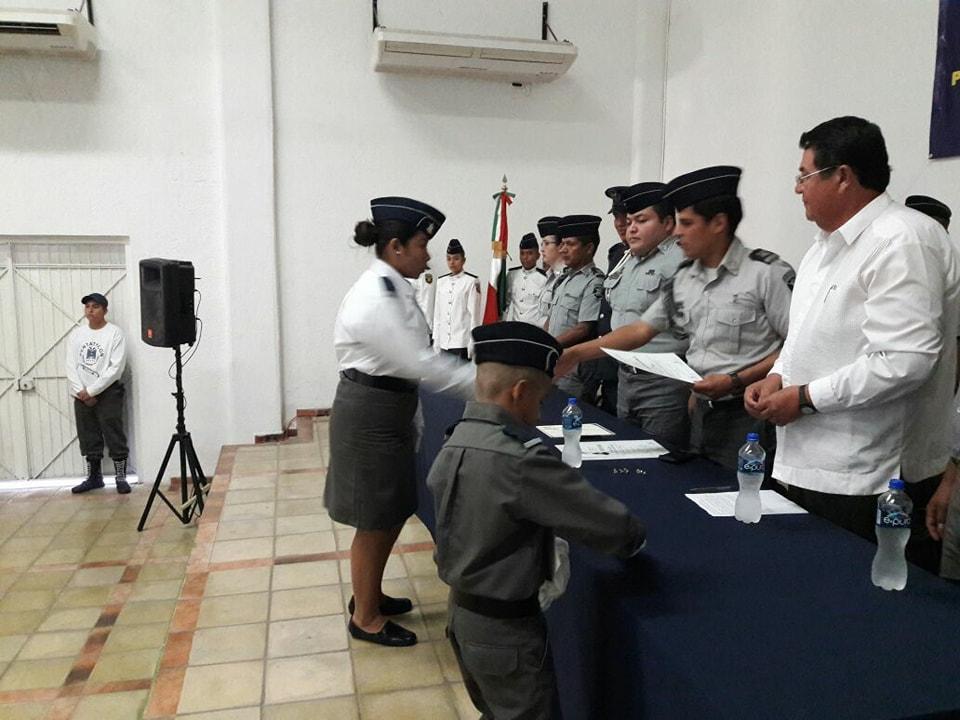 Se gradúan 21 nuevos cadetes del  pentathlón deportivo militarizado