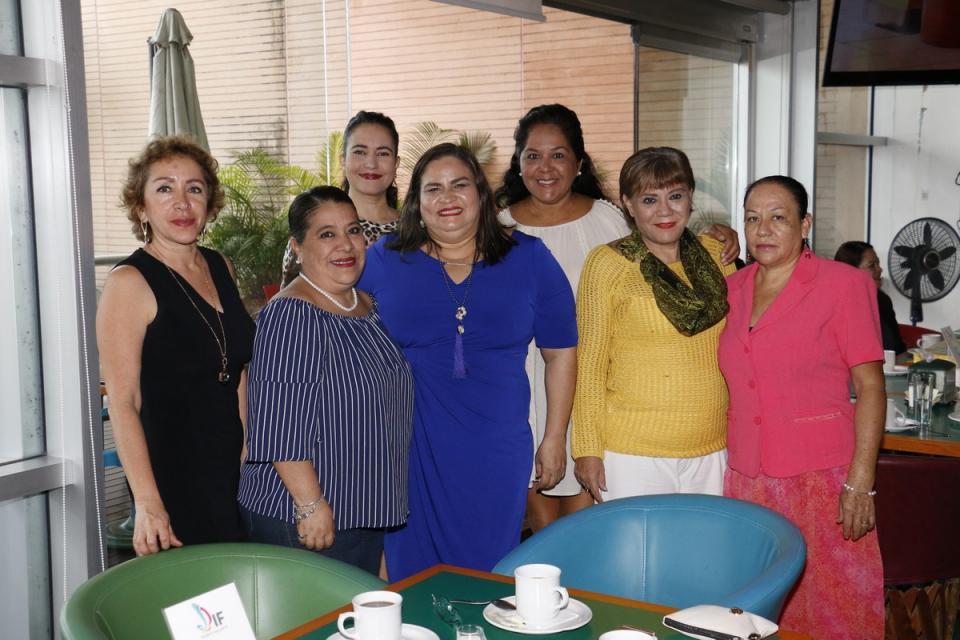 Voluntariado DIF Vallarta sigue  sumando apoyos para la URR