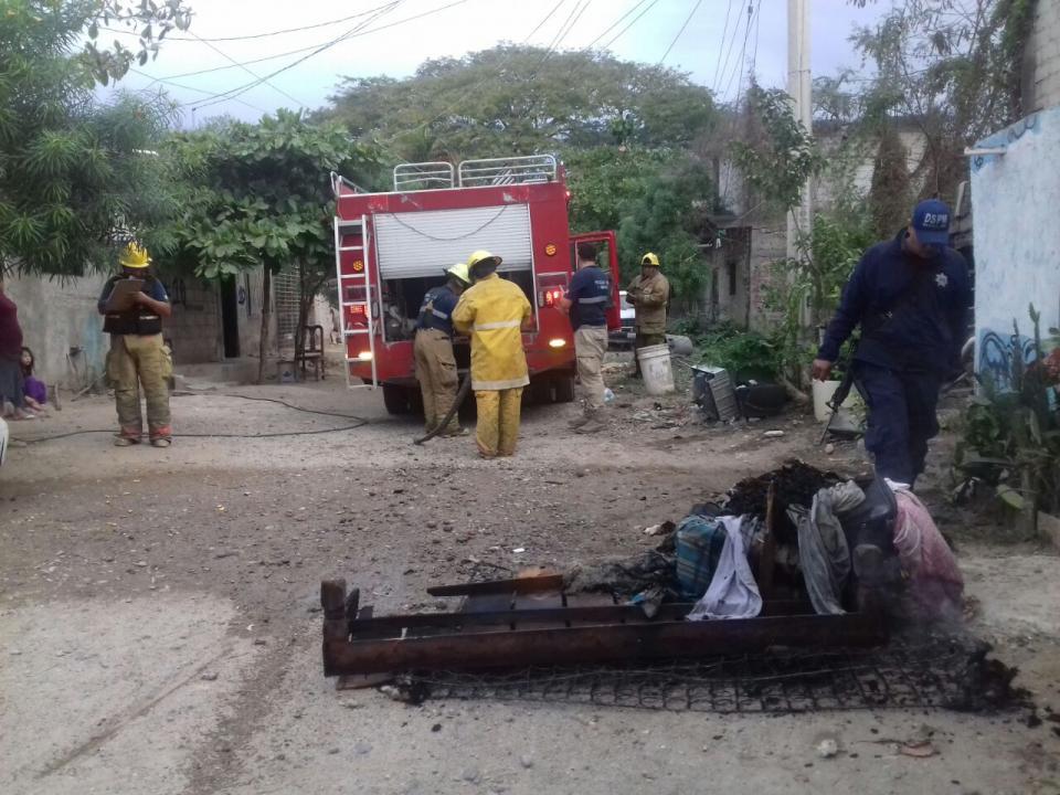 Se incendia casa habitación  en San José del Valle