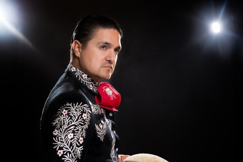 """Omar Arreola    """"Llevo el mariachi en mis venas"""""""