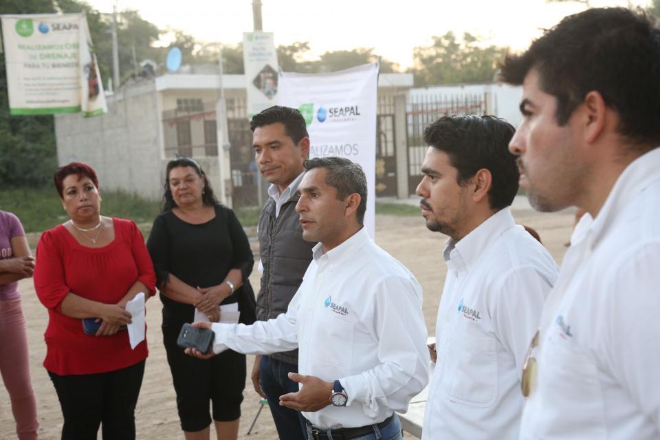 Avanza Seapal con la entrega  de contratos en Las Cañadas