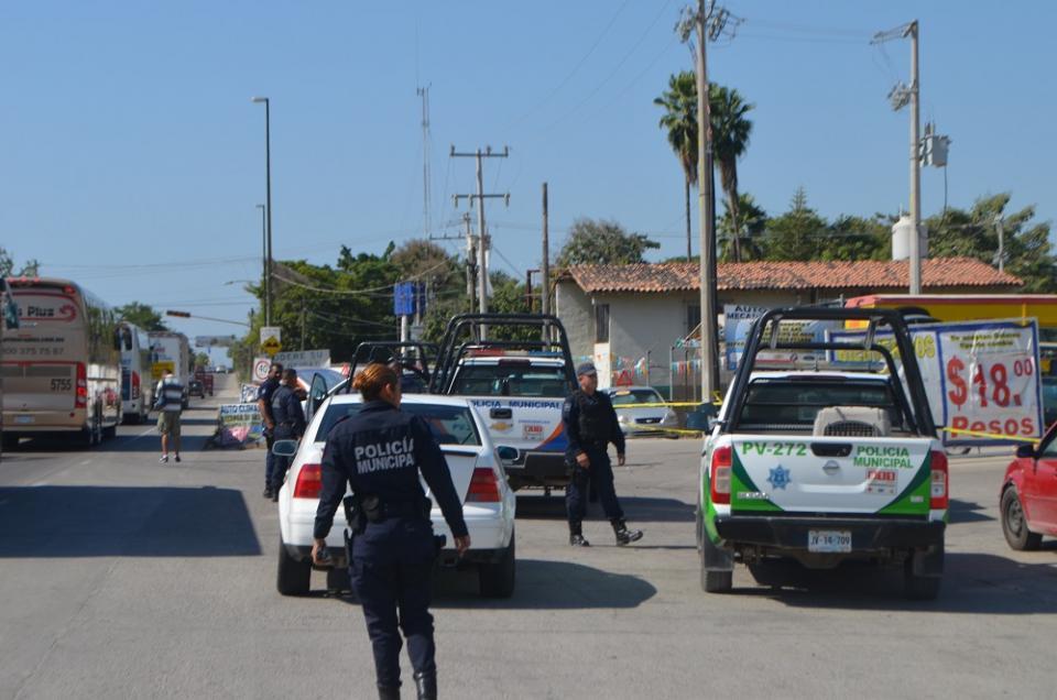 Policías retienen a sospechoso  de robo a mano armada