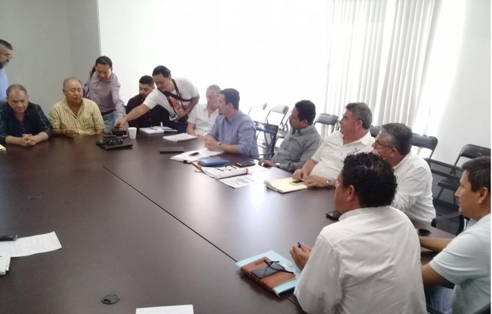 Esquivan tema de crecimiento  inmobiliario en Puerto Vallarta