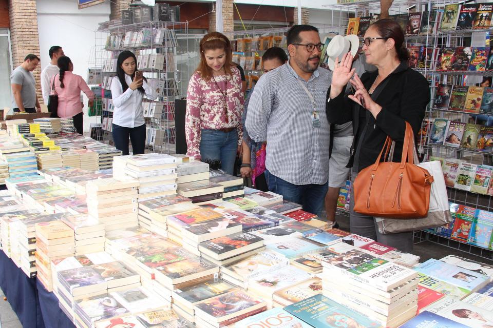 Enfocan Feria de la Lectura a  los 100 años de vida de PV