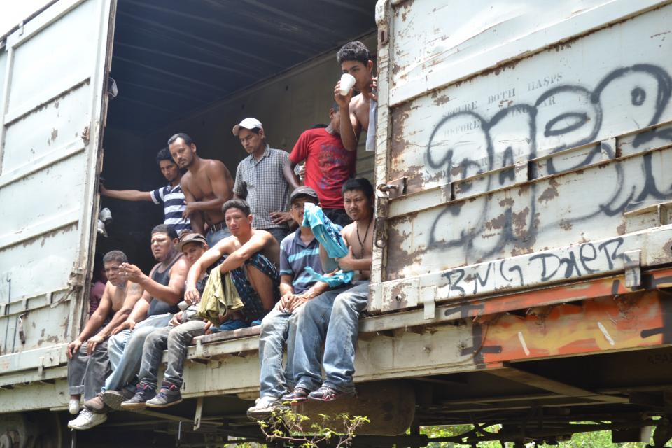 Detienen a 105  migrantes en Jalisco