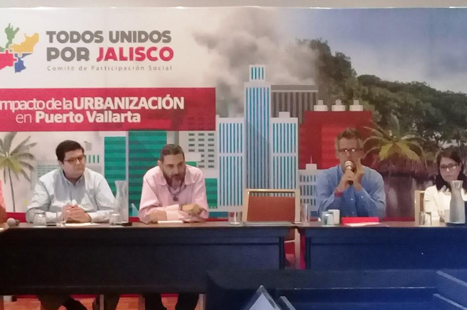 """Prevén deterioro de la marca """"Puerto  Vallarta"""" por crecimiento inmobiliario"""