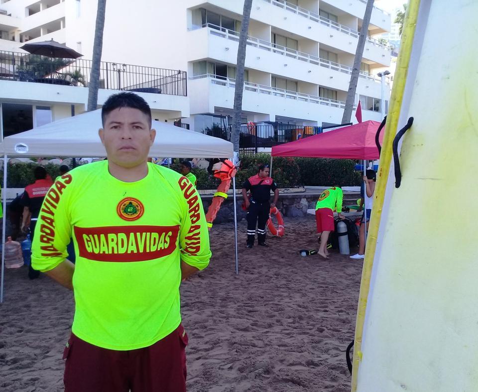 Carlos Arzeta    Diez años salvando vidas