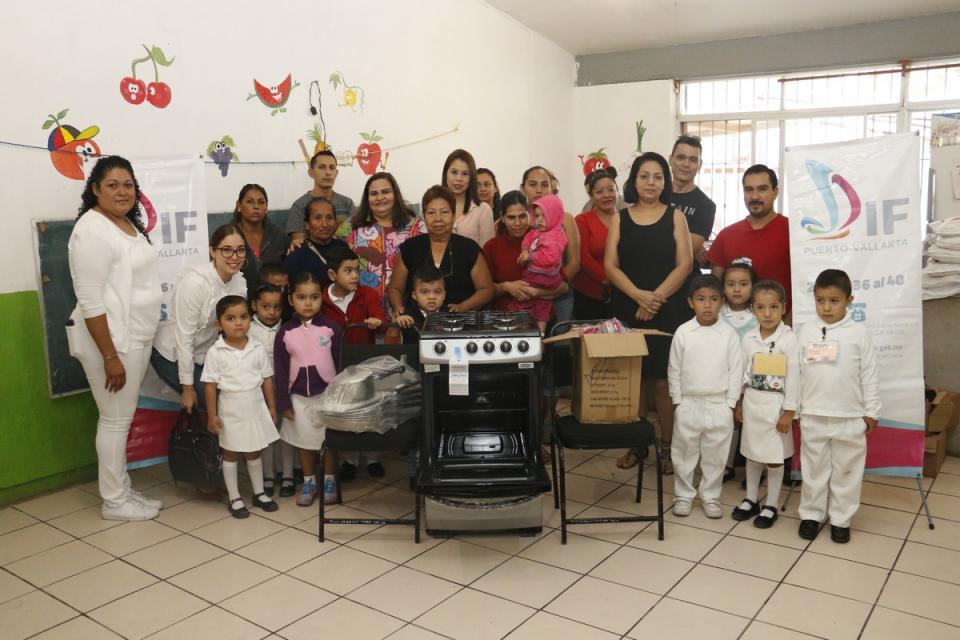Fortalece DIF Vallarta el área de  alimentación de los Jardines de Niños