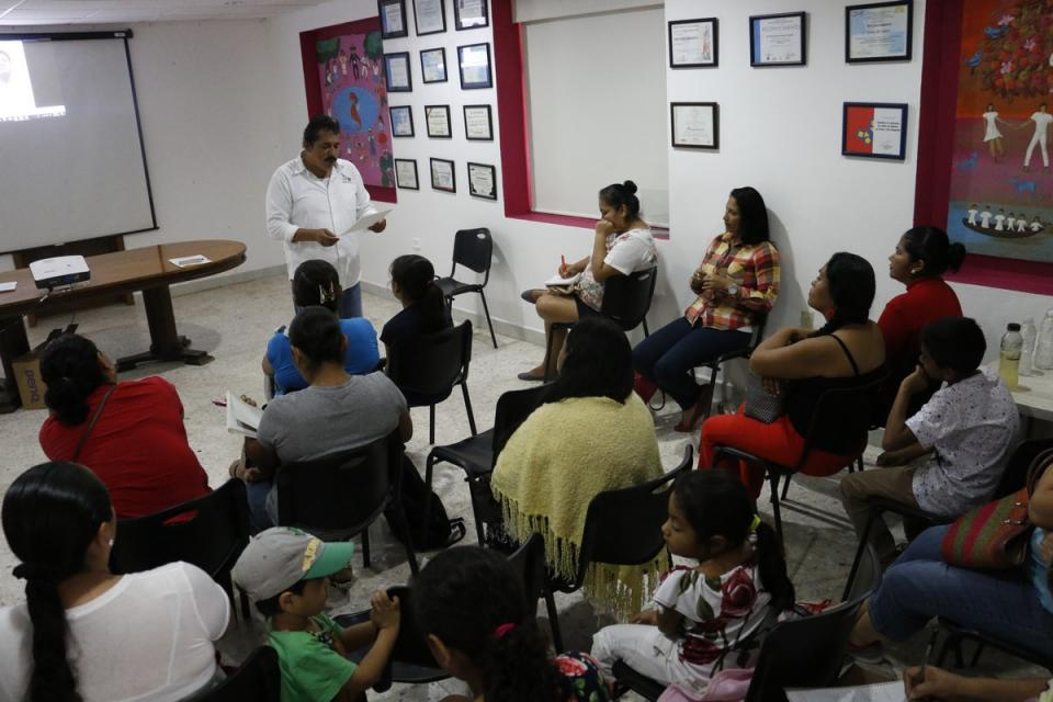 Inicia DIF Vallarta taller  de Escuela para Padres