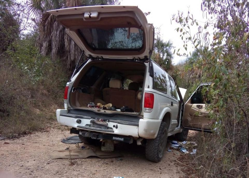Recuperan Policías cuatro  autos con reporte de robo