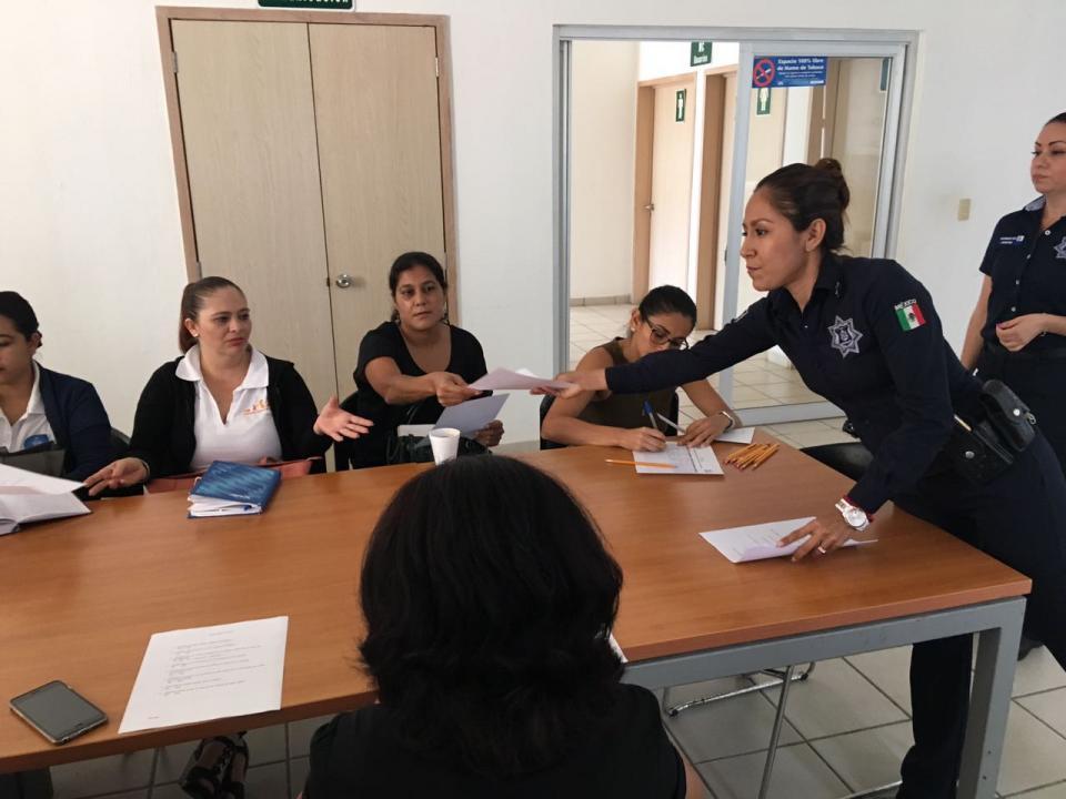 Prosigue la capacitación en la  Academia a policías preventivos