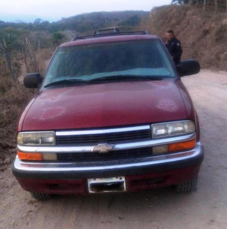 Policías recuperan vehículo reportado comorobado