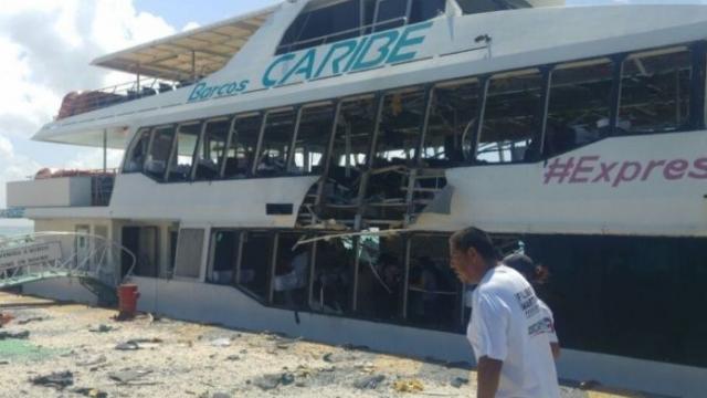 Explosión de un ferry docenas de heridos