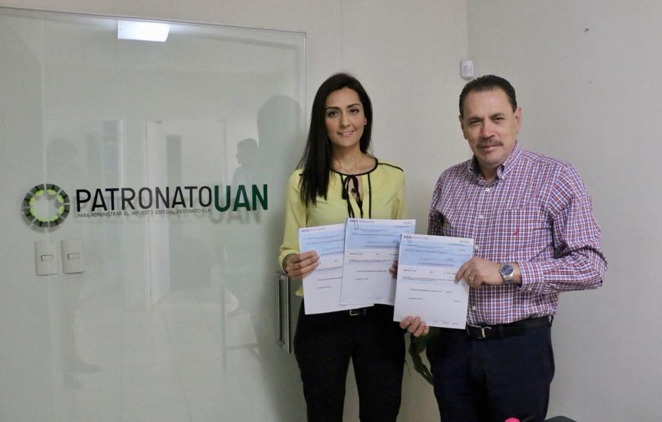 Cumple Jaime Cuevas con la UAN al entregar la retención del 12%