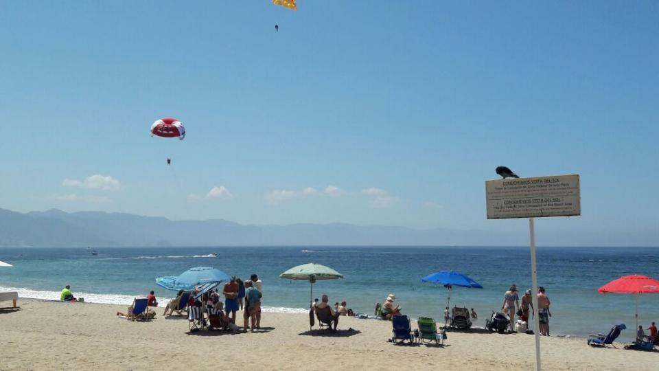 Garantizarán limpieza en las playas de  Puerto Vallarta en estas vacaciones