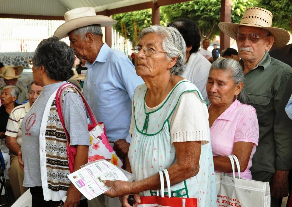 """Advierten de """"blindaje electoral""""  a programas sociales en México"""