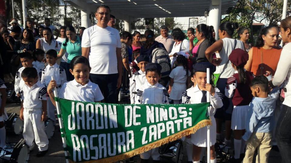 Benefician a 30 preescolares de Puerto Vallarta  con equipamiento de bandas de guerra