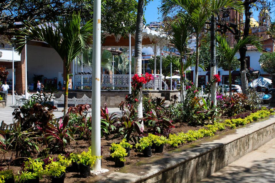 Luce renovada imagen la  plaza principal de la ciudad