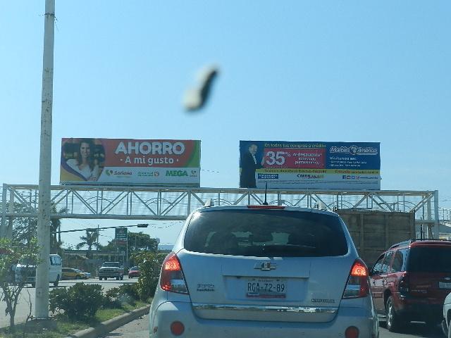 Van vs anuncios que impactan  imagen visual de Bahía