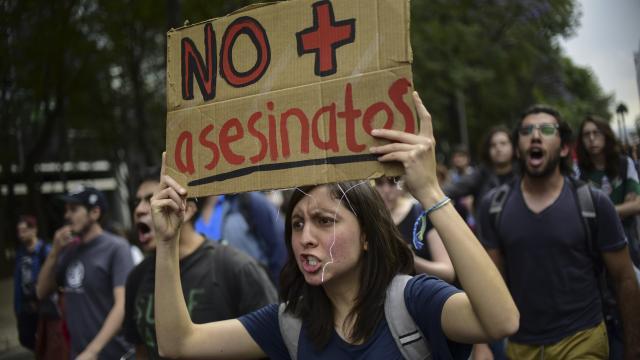 ASESINATO DE ESTUDIANTES… Marchan en la CDMX  para demandar justicia