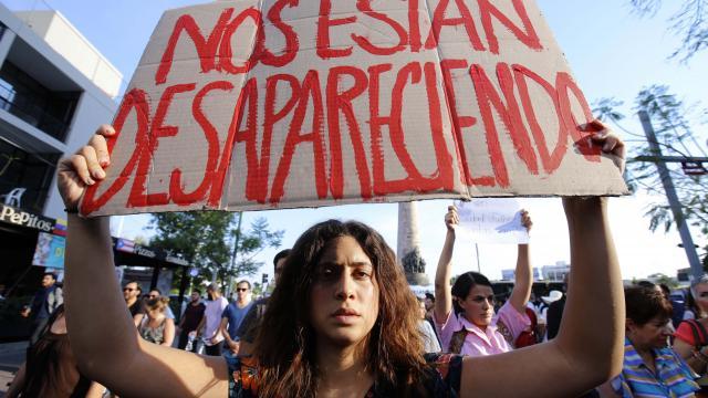 REPUDIO GENERALIZADO POR ASESINATOS…    Marchan por estudiantes