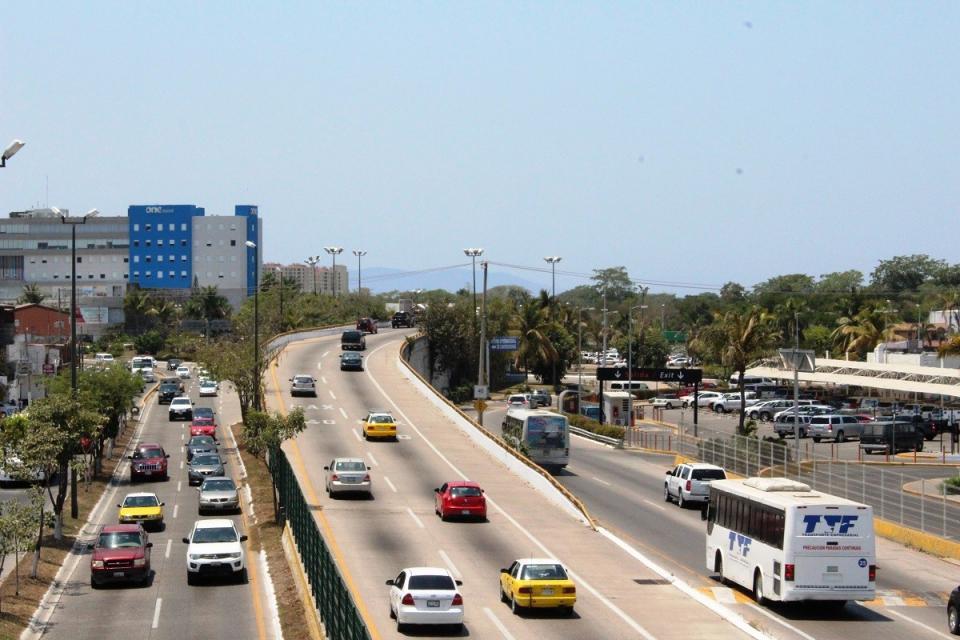 Aumentó 10% aforo vehicular al  concluir vacaciones en Vallarta