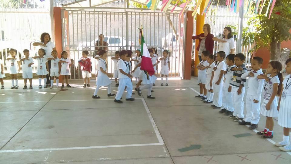 Este lunes regresan más de 60 mil  alumnos a clases en Puerto Vallarta