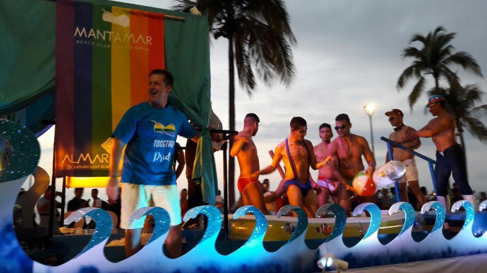 Interviene Cofepris por denuncia por excusado en playa Carrilleros