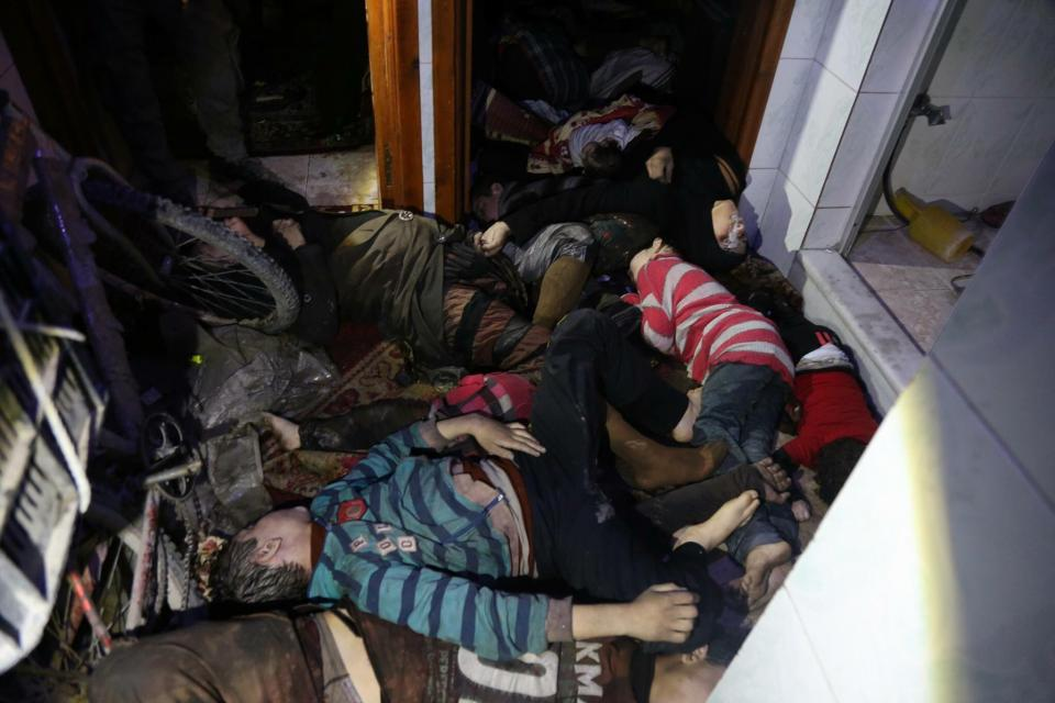 Ataque químico en Siria deja más  de 80 muertos y mil afectados