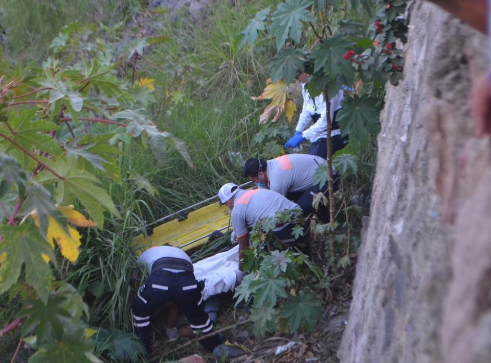 """Se mató """"El Mere"""", al estar tomando se desplomó de seis metros"""
