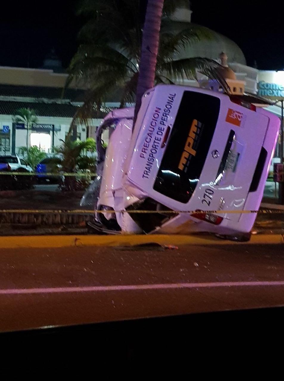 Pasajeros heridos en  choque de camiones