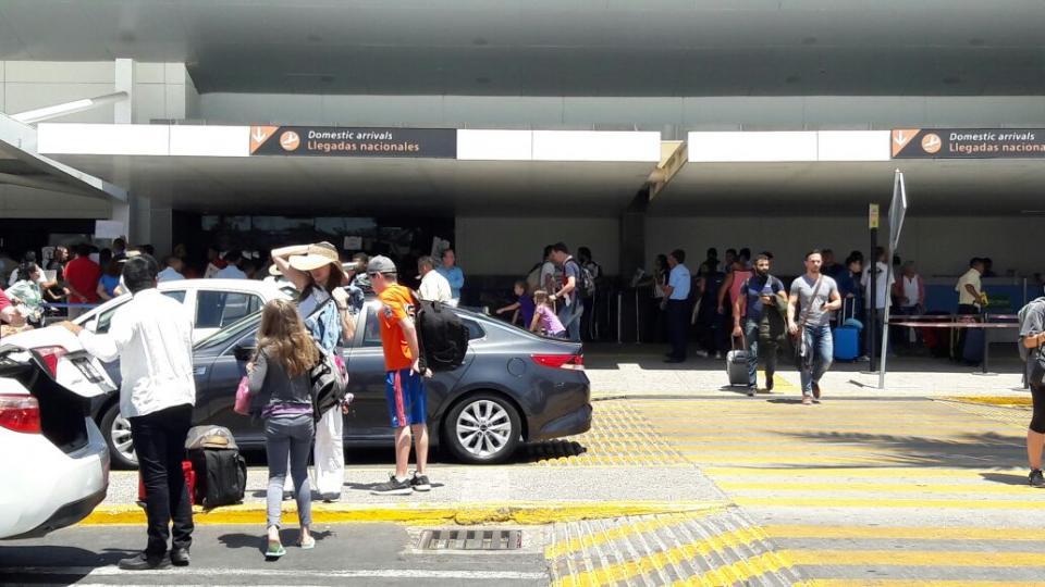Miles de turistas regresaron a casa este fin de semana