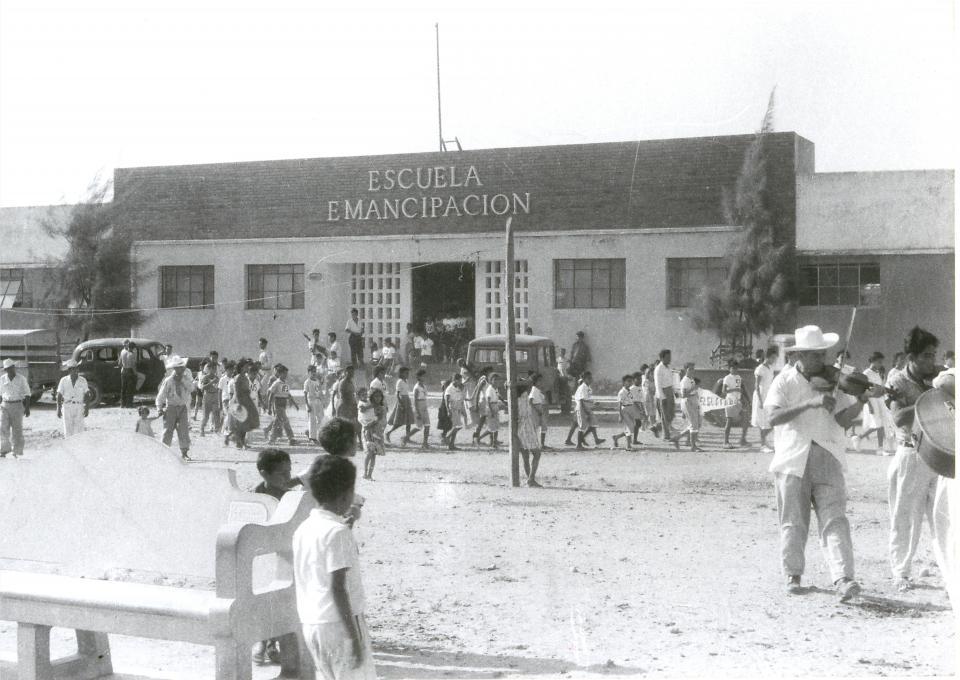Del Centenario…Pie de foto