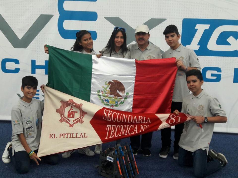 Obtienen alumnos de la secundaria #81  el lugar 24 a nivel mundial en robótica