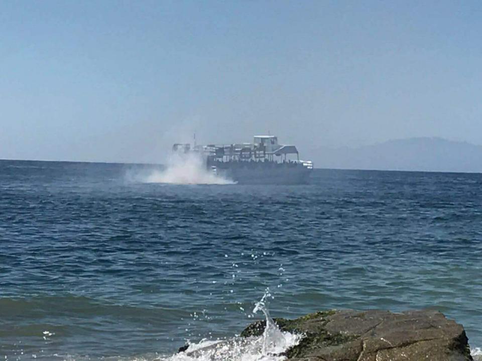 Denuncian contaminación de embarcación,  toma cartas en el asunto Capitanía