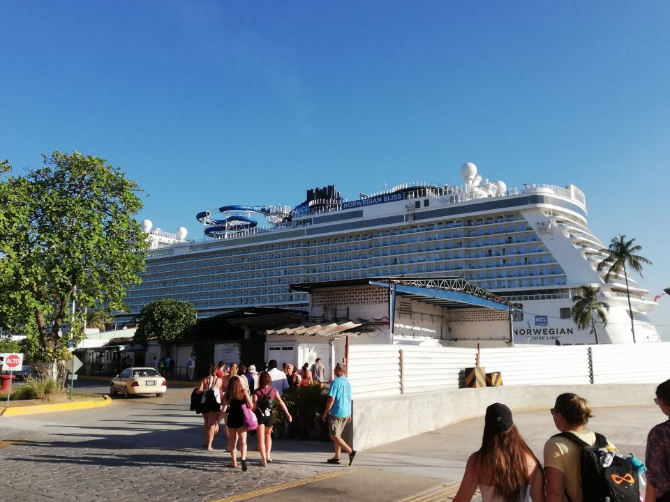 Recibe PV al Norwegian Bliss, crucero  más grande que ha arribado a la ciudad